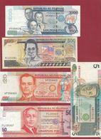 Philippines  10 Billets Dans L 'état - Philippines