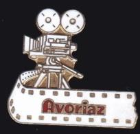 65142-Pin's.Avoriaz.Cinema. - Cinéma