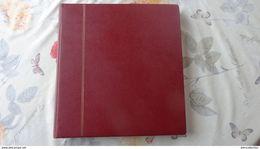 Album SAFE Couleur Lie De Vin ; 62 Pages Avec Pochettes; La Partie Intérieure S'est Détachée De La Reliure - Large Format, Black Pages