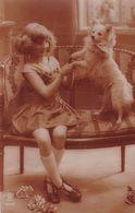 Chien. Pomeranian. Spitz. Hunde  Enfant  Cani  Old Dog Postcard  Cpa.. 1926 - Hunde