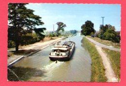 CPSM (Ref : AA466) AGEN (47 LOT & GARONNE) Péniche Sur Le Pont Canal - Agen