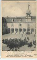 36164 - BAR SUR AUBE - MANIFESTATIONS DES VIGNERONS A /  LA MANIFESTATION DEVANT LA MAIRIE /  L INSCRIPTION REPUBLIQUE F - Bar-sur-Aube