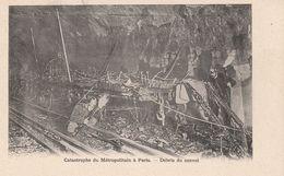 Paris Catastrophe  Metro Debris Du Convoi - Métro Parisien, Gares