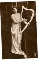 641 - Jeune Dame Jouant De La Harpe - Musique Et Musiciens