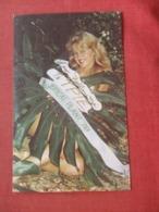 Pin-Ups  Angie Rosacker  Miss Tropical Plant  1978    Ref 4120 - Pin-Ups
