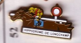 BB52 Pin's CHEVAL TIERCE LONGCHAMPS Longchamp Horse Achat Immédiat - Animales