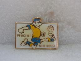 PINS MU33                      82 - Pin's