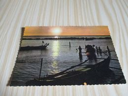 Manila Bay (Philippines).Fisherman's Boat And Sunset. - Filippijnen