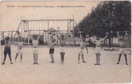 17. ROYAN. Au Centre D'Instruction Physique. Les Moniteurs Aux Altères - Royan