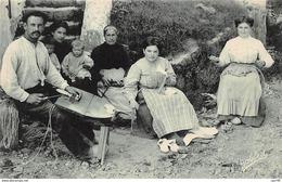 64 .n°106329 .  Pays Basque .metier .famille De Sandeliers . - Sonstige Gemeinden