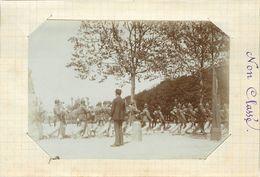 METZ  - Parade Militaire, Soldats Allemands, En 1892 (photo Format 11,7cm X 8,2cm Environ). - Lieux