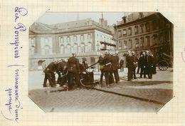 METZ  - Pompiers,manœuvre D'une Pompe, 30 Avril 1893 (photo Format 11,5cm X 8,4cm Environ). - Places