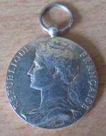 Médaille Du Ministère Du Travail En Argent 1er Titre - Non-attribuée - Firma's