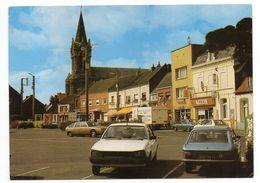 AUBERCHICOURT-- 1987--Grand' Place (belles Voitures - BEAU PLAN ) Renault ,Peugeot,Citroen GS...Café-Tabac,église - Francia