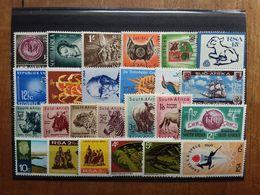 SUD AFRICA - Lotticino 25 Differenti Anni '50/'60 Nuovi ** + Spese Postali - Zuid-Afrika (1961-...)