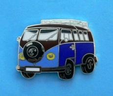 1 PIN'S //  ** LE MYTHIQUE / COMBI VOLKSWAGEN ** - Volkswagen