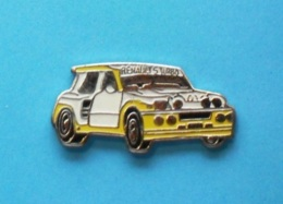 1 PIN'S  //   ** RENAULT 5 MAXI / TURBO ** . (Locomobile) - Rallye