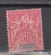 MADAGASCAR           N°  YVERT    38    NEUF AVEC CHARNIERES      ( CHARN  03/ 33 ) - Nuevos