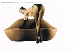 Carte De Publicité SUPERCARD SUEDE Femme S/ Canapé-lèvre Avec Citation De  Brigitte BARDOT   (511) - Pin-Ups
