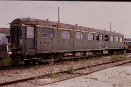 Photo Diapo Diapositive Slide Train Wagon Voiture SNCF Voyageurs Mixte 1ère & 2ème Classe SNCF Le 17/07/2000 VOIR ZOOM - Diapositives (slides)