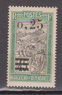 MADAGASCAR           N°  YVERT   128          NEUF AVEC CHARNIERES      ( CHARN  03/ 33 ) - Nuevos