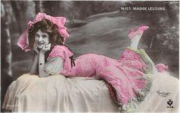 Miss MADGE LESSING - Photo REUTLINGER - Artistes