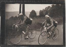 Photo Originale MIROIR-SPRINT (cachet Violet Au Dos) Dauphiné Libéré 1957- GOUGET Devant QUEHEILLE - Cyclisme
