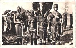 GN GUINEE  - Danseuse à YOUCOUNKOUM - Seins Nus - Animée - Belle - Guinea