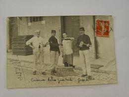 CARTE PHOTO MILITAIRES 4EME REGIMENT CLASSE 1908 ANIMEE - Autres