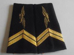 Fourreaux Grade Sergent Armée De L'air - Divise