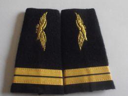 Fourreaux Grade Lieutenant Armée De L'air - Divise