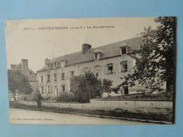 CHATEAUBOURG  (Ille Et Vilaine) -- La Gendarmerie - Petite ANIMATION - Politie-Rijkswacht