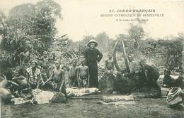 CONGO FRANÇAIS - MISSION CATHOLIQUE DE BRAZZAVILLE - À LA CURÉE DE L'ÉLÉPHANT - N°27 - Brazzaville