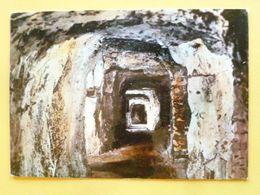 V10-div--dep-80-somme-grottes De Naours- Cite Souterraine- La Galerie De 100m. - Naours
