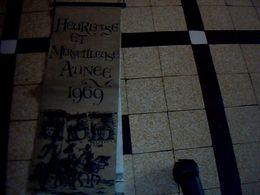 Calendrier Grand Format En Papier Crépon Heureuse & Merveilleuse Année 1969  Thème Renaissance - Calendriers