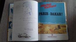 Album Gesigneerd En Potloodtekeningen Paris Dakar  Nr 41  Michel Vaillant  Jacques Graton - Otros Objetos De Cómics
