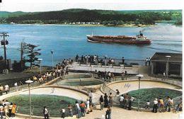 CPA-1975-CANADA-QUEBEC-AQUARIUM-Bassins Des Phoques-au Fond Navire Cie Manchester Liners-TBE - Montreal