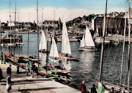 Deauville Trouville - Voiliers Rentrant Dans Le Bassin Des Yachts - Deauville