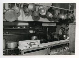 PHOTO ANCIENNE Cuisine Casserole Balance Ustensile Ustensiles De Cuisine Fourneaux Photographie - Objetos