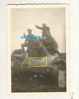WW2 PHOTO ORIGINALE ALLEMANDE Char Français Tank HOTCHKISS H35 400027 Abandonné Mais Où 1940 - 1939-45