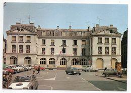 LONGWY-BAS --1987-- Hôtel De Ville --petite Animation (belles Voitures Dont Citroen GS,  Peugeot 504 Et Simca 1100... ) - Longwy