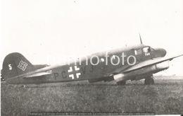 PHOTO AVION   CAUDRON GOELAND EN ALLEMAGNE DERRIERE UN ARADO 96B       RETIRAGE REPRINT - Aviation