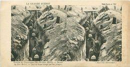 LA GRANDE GUERRE - BATAILLE DE CHAMPAGNE (1915) - SECTEUR DU BOIS BRICOT - ANCIEN BOYAU OCCUPE PAR NOS TROUPES - Stereoscope Cards