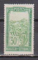 MADAGASCAR           N°  YVERT   158    NEUF AVEC CHARNIERES      ( CHARN  03/ 33 ) - Nuevos