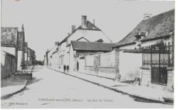 CONFLANS-SUR-SEINE - LA RUE DE VILLIERS - ANIMEE - VERS 1900 - Autres Communes