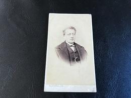 CDV PHOTO Homme En Costume & Par Dessus - HUCHET & TOYE - LYON - Anciennes (Av. 1900)