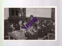 Cpm : Etablissement De Vacances S.N.C.F à Saint-Lunaire   La Salle à Manger  Annimation Repas Enfants .usure De La Carte - Saint-Lunaire