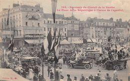 Thème Sport Automobile    :Circuit De La Sarthe  Le Mans .Place De La République Pneus Sanson Sur Voiture    Voir Scan) - Le Mans