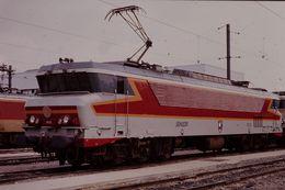 Photo Diapo Diapositive Slide Train Wagon Locomotive Electrique SNCF CC 6535 Le 7 Février 1992 VOIR ZOOM - Diapositives (slides)