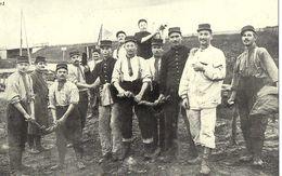 MILITAIRES Au Lavoir 1913   (Cartes D'Autrefois) - Autres
